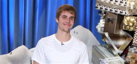 justin bieber live on ellen 2012 video justin bieber announces u s stadium tour on ellen