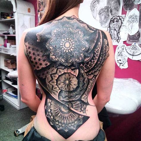 full back tattoos for females 31 breathtaking back designs tattooblend