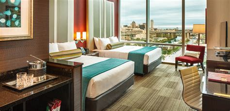 Milwaukee Hotel Rooms, Suites and Jacuzzi Suites   Potawatomi Hotel & Casino