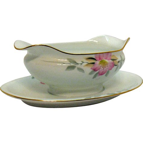 gravy boat with plate vintage noritake porcelain gravy boat with attached under