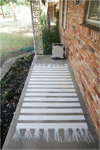 Concrete Patio Paint by How To Paint Concrete A Patio Makeover Concrete Patios