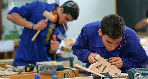 imagenes de egipcios trabajando talleres de orientaci 243 n sobre empleo para j 243 venes