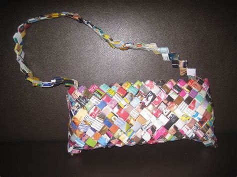 How To Make Paper From Magazines - folded magazine purse 183 how to make a recycled bag