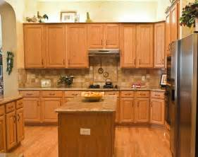 Kitchen Backsplash Ideas With Oak Cabinets Backsplash With Oak Cabinets Kitchen Decorating Kitchens Granite Kitchen And