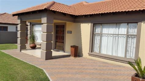 3 bedroom houses for sale archive 3 bedroom house with study for sale in vanderbijlpark se8 vanderbijlpark