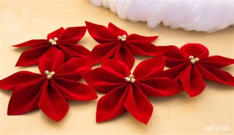 martha stewart tree skirt poinsetta cheesecloth and velvet poinsettia wreath scratch and stitch
