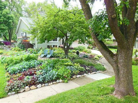 Front Lawn Vegetable Garden Design   Sun Ray Garden