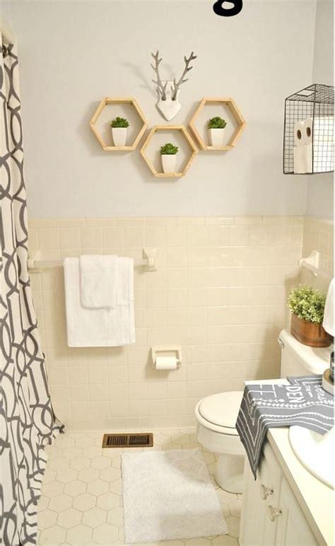 rent bathroom best 25 rental bathroom ideas on pinterest rental decorating small rental bathroom