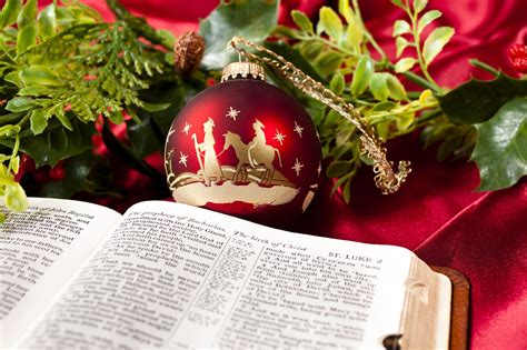 the truth about christmas decorations with bible verses 8 biblical quotes and scriptures