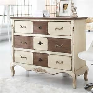 relooking de meubles avec la peinture ou la patine