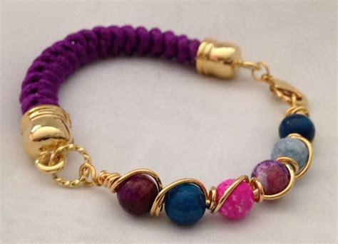cadenas moradas instagram hermosa pulsera tejida en morado con piedras entorchadas
