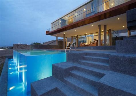 modern beach house stunning ultramodern beach house with overflowing pool