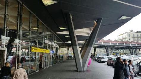 napoli stazione centrale porto quali sono i parcheggi pi 249 cari d italia stazione o