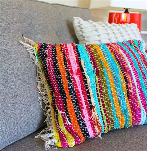 how to make a rug from clothes diy rag rug projects feng shui the tao of
