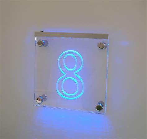plexiglass illuminato targa per insegna con sta e distanziali numero civico