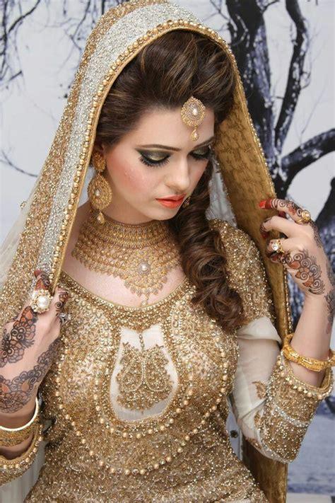bridal makeup videos 2016 indian pakistani and arabic 52 best indian bridal makeup 2016 images on pinterest