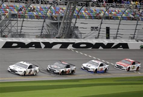 Kevin Harvick Wins Daytona 500 by The Kevin Harvick Wins 2nd Stage Of Daytona 500