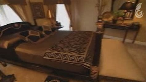 Mtv Cribs Usher by 19 Tacky And Confusing Moments From Quot Mtv Cribs Quot