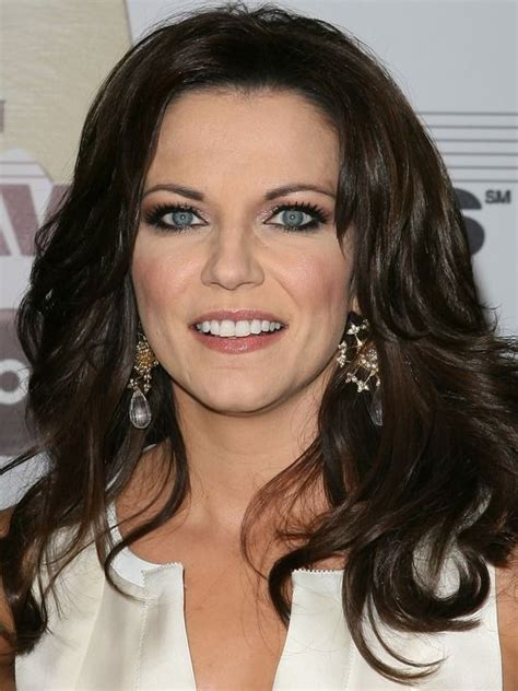 female country singer with recent hair cut 22 best martina mcbride one of the prettiest country