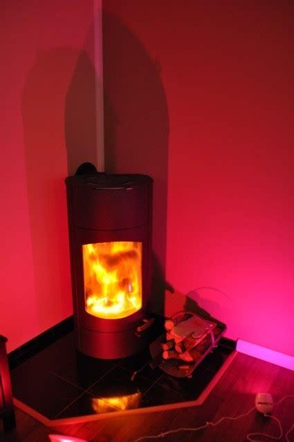 große sofakissen wohnzimmer wandfarbe gr 252 n