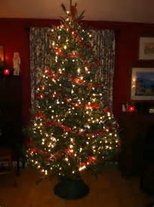 how to trim a beautiful christmas tree encouraging