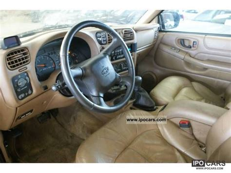 chevrolet blazer   automaat car photo  specs