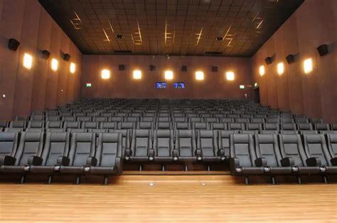 cinema in poltrona poltrona con struttura metallica imbottite per sale