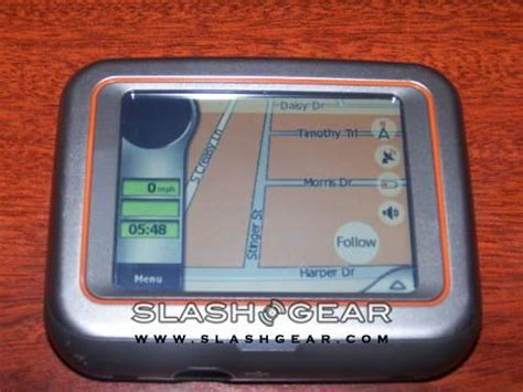 Shiny At The Stuff Show The Mio H610 Personal Assistant Satnav by Slashgear Review Mio Digiwalker C220 Slashgear