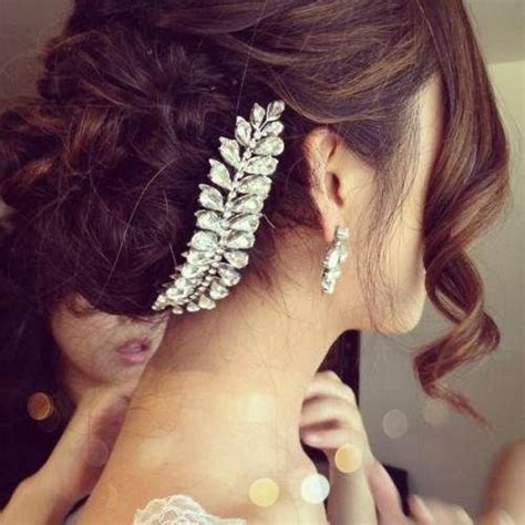 Wedding Hairstyles With Jewelry 16 glamorous indian wedding hairstyles pretty designs