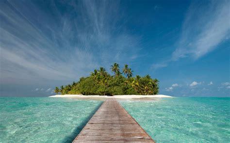 trouble  paradise   safe  visit  maldives
