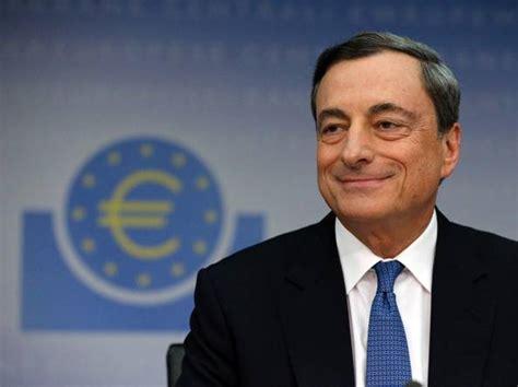 presidente della centrale europea bce tassi fermi draghi 171 nuovi rischi al ribasso