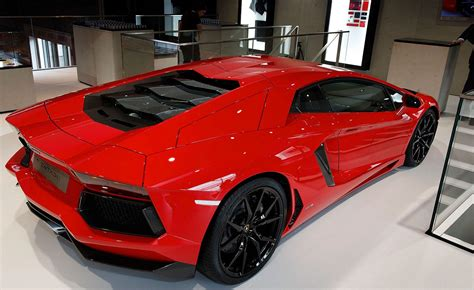Lamborghini Aventador Information 2013 Lamborghini Aventador Information And Photos