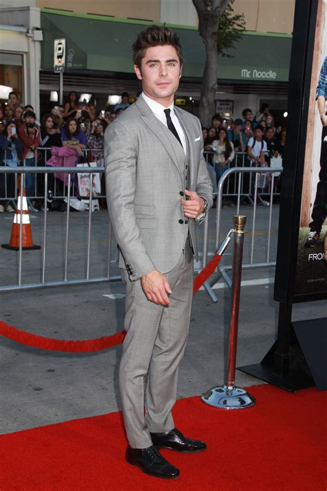 Google Office In Usa zac efron arrives draws crowds at premier of neighbors