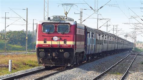 indian railways coromandel express at speed indian railways