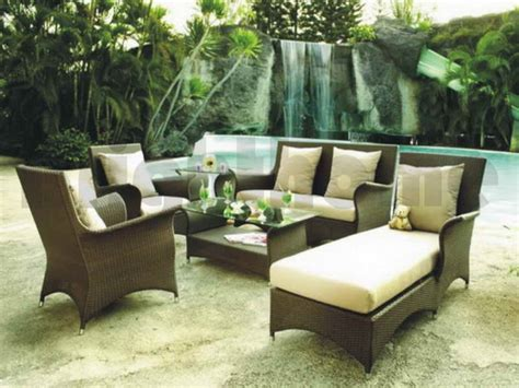 outdoor furniture for small spaces how to choose patio furniture ideas for small spaces