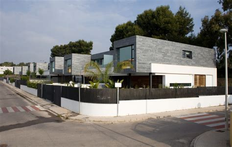 6 semi detached homes united by matching contemporary 6 semi detached homes united by matching contemporary