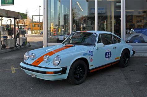pin porsche garage 911 cars hd wallpapers 1366x768