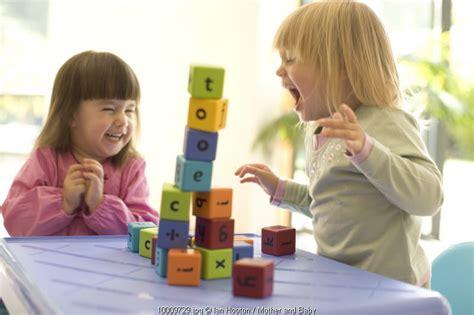 A Z Mengasuh Bayi Tanpa Panik ciri ciri anak siap masuk kelompok bermain and