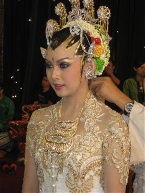 Kain Mac Mohan Jogja gaya rias pengantin jawa yang anggun dan mempesona