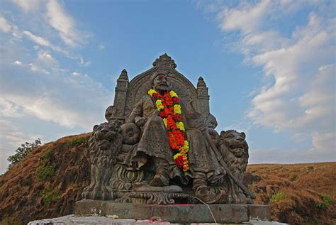 Shivaji Maharaj Raigad Fort Essay by Get Information About Best Tourist Places In India Fort In Maharashtra