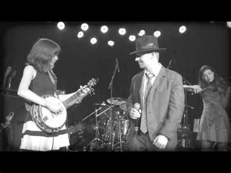 bart reiter standard banjo demonstrated by molly tuttle goodbye pretty miss doovi