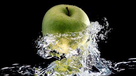 wallpaper apple water apple water pictures hd wallpaper hd wallpaper of