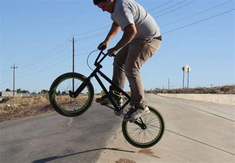 videos28771bmx bike tricks jumps how to do a bunny hop bmx tricks bmx bicycle freestyle easy to learn bmx bike tricks