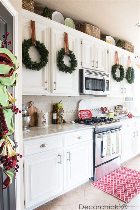 Kitchen Decorating Ideas Pinterest by Best 25 Christmas Kitchen Decorations Ideas On Pinterest
