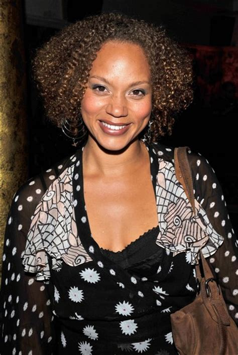 faking the o re entering the dating circle books angela griffin pictures the ex corrie arriving at