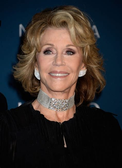short curly hairstyles for women over 70 jane fonda short wavy hairstyle for women over 70 styles