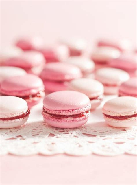 valentines day macarons pink strawberry macarons ricardo