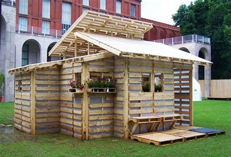 Building Small Barns Sheds Shelters Recycling Wood Pallets For Building Everything In Your Home