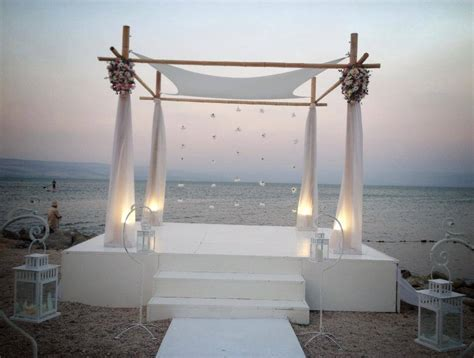 22 pictures wedding altar decorations  Pics for every day