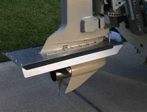 cavitatieplaat buitenboordmotor hydrofoil vs ventilation plate microskiff
